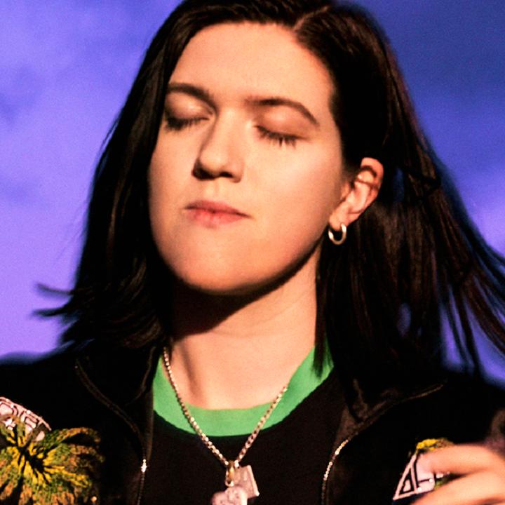 The xx新專輯發行在即 吉他手兼主唱Romy以個人身分推出作品