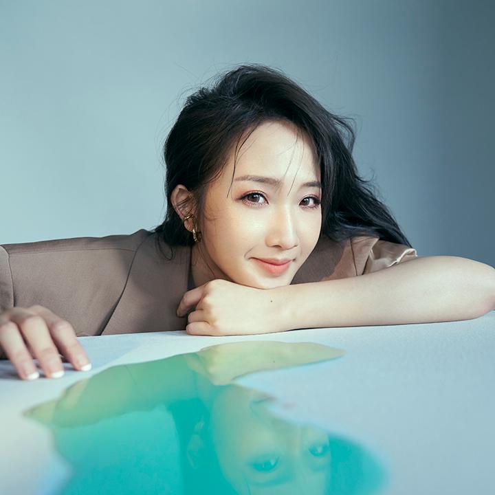朱俐靜將發行第三張個人專輯《來日方長》,搶先收聽體悟活在當下序曲〈昨天的自己〉