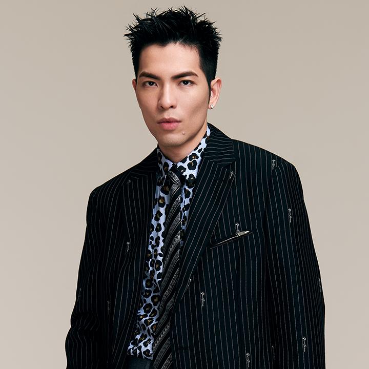 追求完美歌王蕭敬騰詮釋年度愛情賀歲片主題曲〈不完美的我〉
