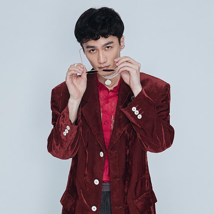李英宏醉心華語樂壇男神劉文正的復古浪潮,全新EP致敬經典神曲〈諾言〉