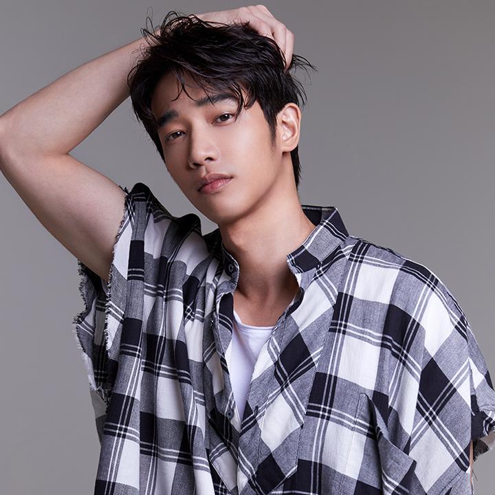 戲劇男神劉以豪正式跨足音樂圈推出首張個人EP《Ü》,暖男嗓音驚艷眾人!